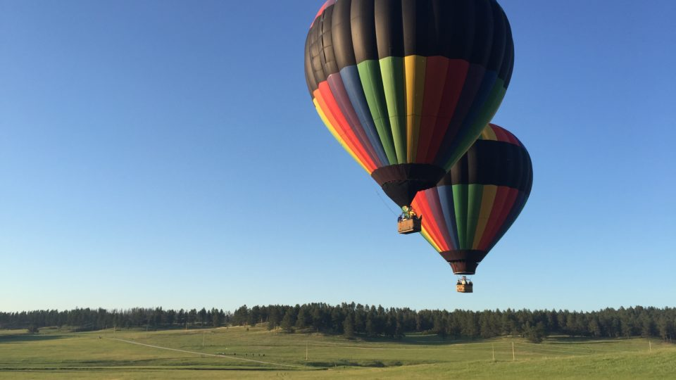 South Dakota hot air balloons launch