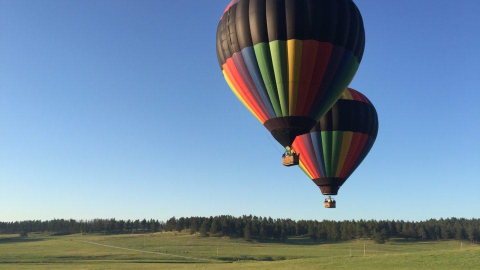 South Dakota hot air balloons launch